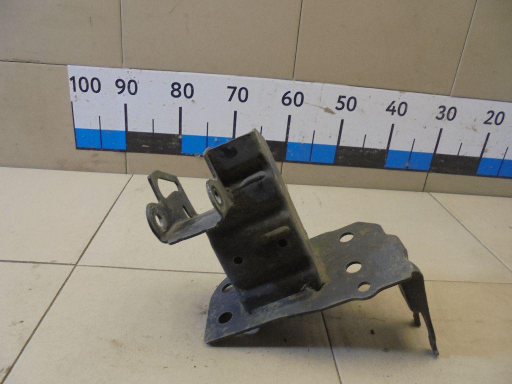 Кронштейн усилителя переднего бампера правый 4L0807134A
