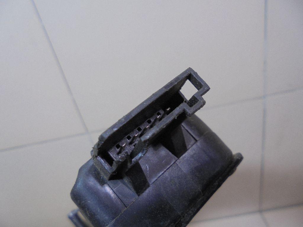 Ответная часть замка багажника 4F9827383B