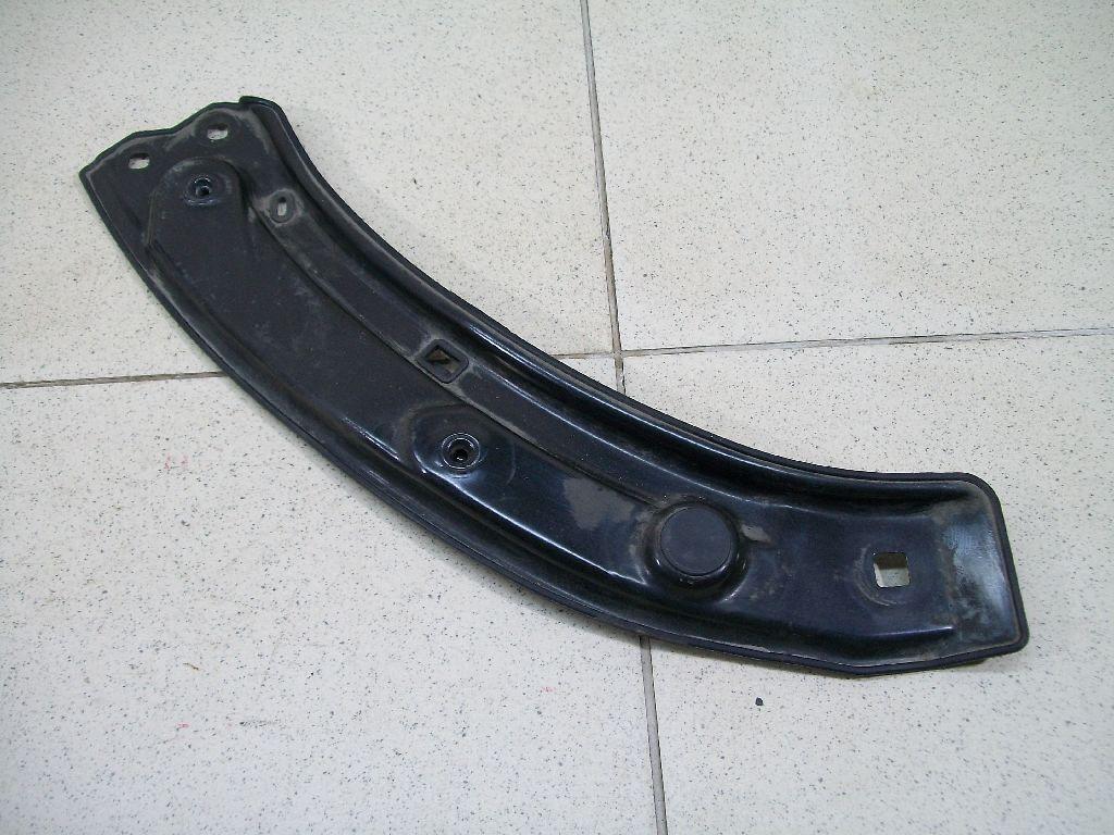 Элемент передней панели 8U0805931
