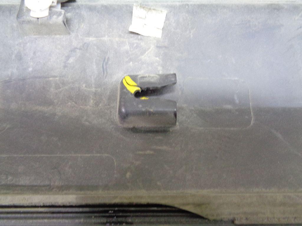 Накладка двери передней правой 5N0854940A